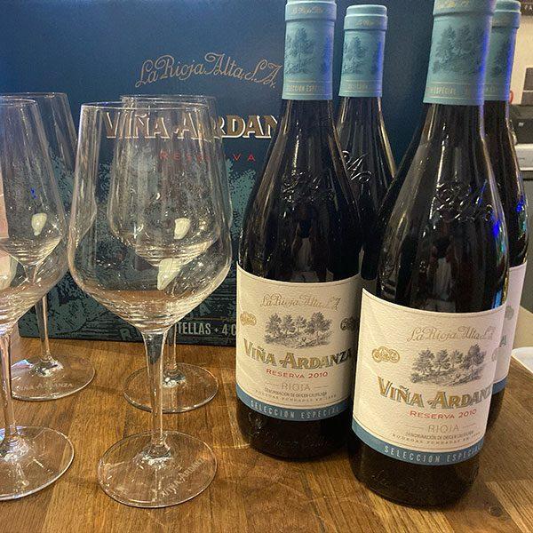 4 bottle gift box and glasses Vina Ardanza Rioja Reserva 2010
